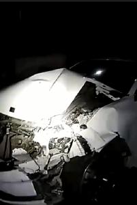 双沟服务区,一女司机刹车不及撞上前方货车....