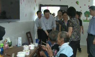 市委副书记肖伏清检查指导抗灾自救工作