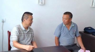 詹才红:国家公职人员和村干对象户要当好拆迁表率
