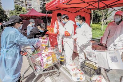人在城在 不胜不休 ——武汉保卫战中英雄的人民