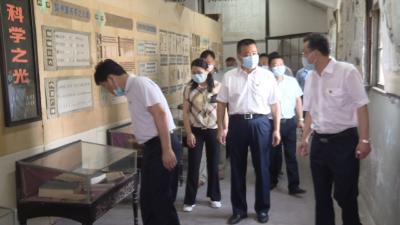 视频丨詹才红调研李时珍医史文献馆修缮工作