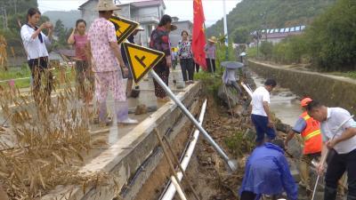 视频丨漕河镇打响抗灾自救保卫战