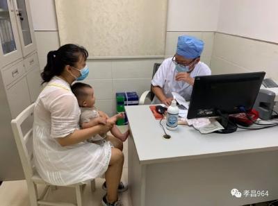 暑热来袭,孝昌县一医院皮肤科主任教你几招夏季防过敏!