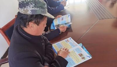孝昌交警开展老年人交通安全宣传主题活动