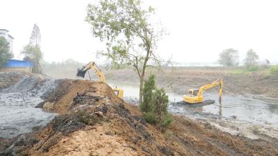 云梦:开展河道清淤截污 改善生产居住环境