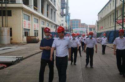 云梦县烟草专卖局组织参观蓝天盐化工厂感受发展成就