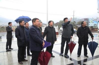 省住建厅党组书记、厅长李昌海一行来通城调研住房和城乡建设工作
