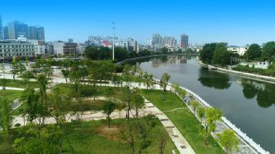 湖北通城:扶贫路上跨步行
