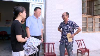 县领导到石南镇看望慰问退役军人