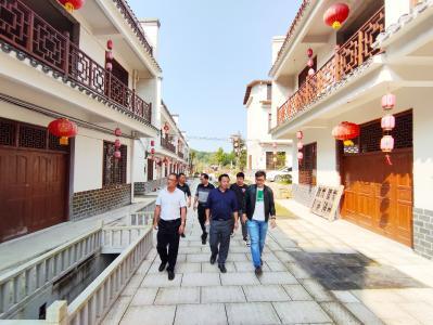 通山县农业农村局来通城参观学习美丽乡村建设工作