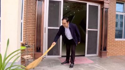 【最清洁农户系列报道之二】胡华山:遵守村规民约  爱卫从我做起