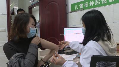 通城:市民对新冠病毒疫苗怎么看?我接种,我安全!