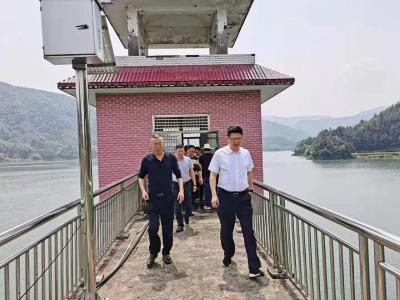熊亚平调研防汛:压紧压实责任 强化巡查值守 确保安全度汛