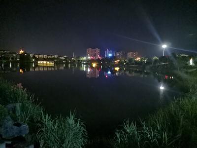 扮靓城市景观 庆祝建党100周年