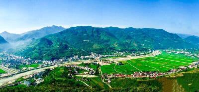 中国山区幸福村尧治河蝶变之路