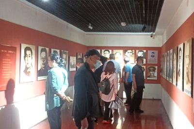 崇阳县法院组织老干支部党员干警赴洪湖红色教育基地开展党史学习教育活动