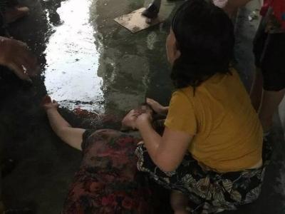 暖心!咸宁通山县一志愿者雨中救人受点赞