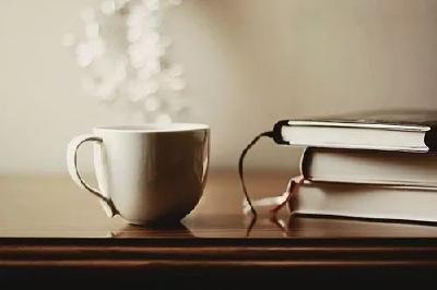 【凤池夜读】第241期丨震宇朗读《人与书之间 》