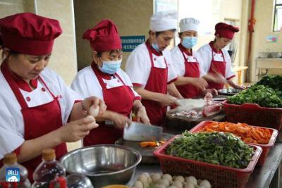 通山县城市福利院为院民打造卫生健康餐饮条件
