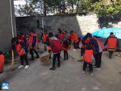 九宫山镇第一小学开展爱国主义卫生运动
