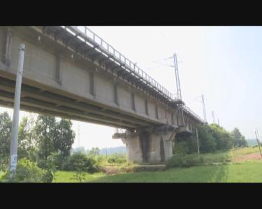 应城:推进铁路周边治理 营造安全出行环境