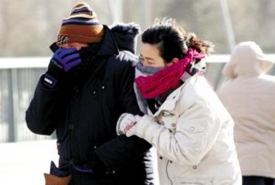 冷空气带来疾风冷雨 明起气温降至个位数