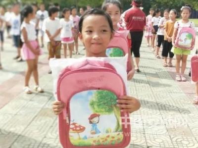 安陆崇文重教蔚然成风 大力推进教育精准扶贫
