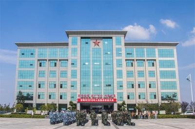安陆市举行2018年新兵入伍仪式  欢送新时代最可爱的人踏上从军之旅