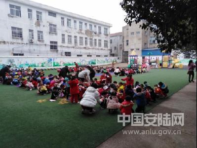 辛榨乡中心幼儿园举行消防安全应急疏散演练