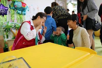 """特别的爱,给特别的你——安陆志愿者陪孤儿提前过""""六一"""""""