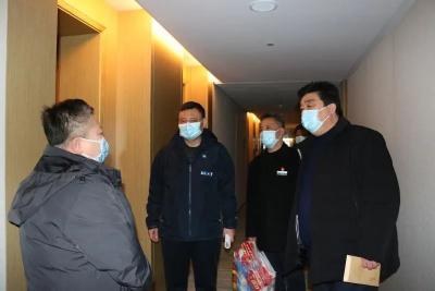 市普爱医院领导看望慰问黑龙江援安医疗队员
