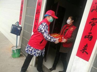 """防疫不胜不言""""休"""" ——记安陆市人民法院退休志愿者李克娜"""