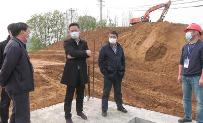 胡明刚检查督办府澴河防洪治理二期工程(安陆段)项目复工建设情况
