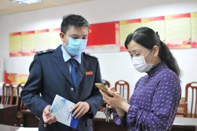 安陆市税务局多举措战疫情助复产