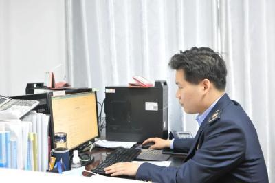 """安陆市税务局聚焦""""四力""""战疫情助复产"""