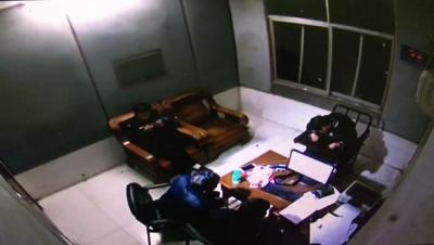 赤马港派出所破获系列砸车玻璃盗窃案