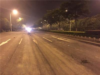 建筑工地违规托运污染道路 赤壁城管快速处置