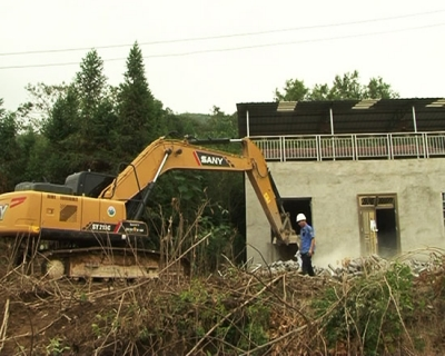 赤壁市专项整治生态新区红线范围拆除违法建设