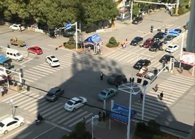 赤壁|电路检修红灯停 交警上路保交通