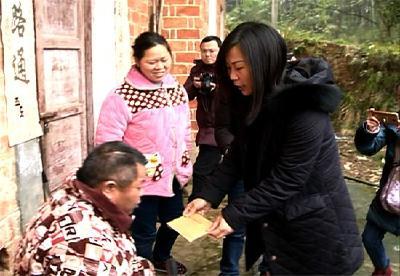 赤壁市委统战部 工商联开展新春慰问活动
