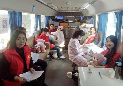 赤壁义工联盟开展义务献血活动