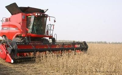 田间机器人、植保无人机、智能节水设施…… 智慧新农具让春耕呈现新景象