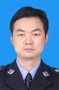 赤壁市公安局禁毒大队 教导员 王智勇