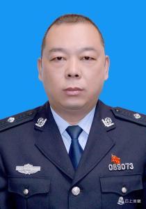 赤壁市公安局巡特警大队 教导员 魏进东