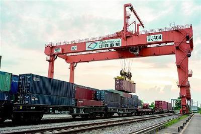 湖北对外贸易突破3000亿元