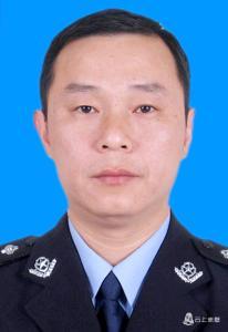 赤壁市公安局刑事侦查大队 教导员 邓海平