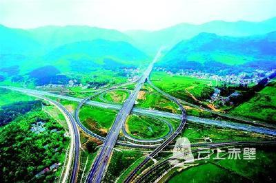 """荆楚崛起""""祖国立交桥"""" 到2022年市市通高铁 县县通高速"""