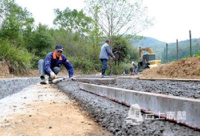 赤壁:灌溉沟渠改造 解民难暖民心