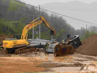 蒲圻办事处望山社区两家机制砂厂被依法取缔