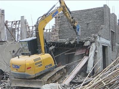 市自然资源和规划局依法拆除莲花塘村违法建筑